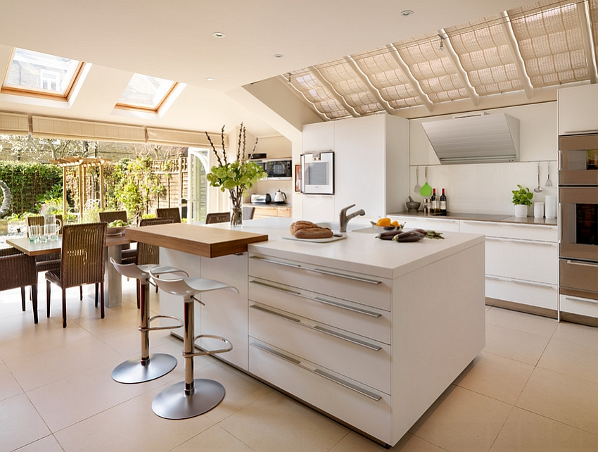25 captivating ideas for kitchens with skylights for Cuisine 6m de long
