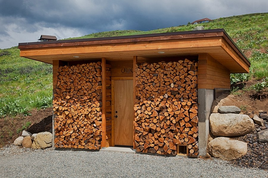 The artful woodpile 30 fabulous firewood storage ideas for Cordwood shed