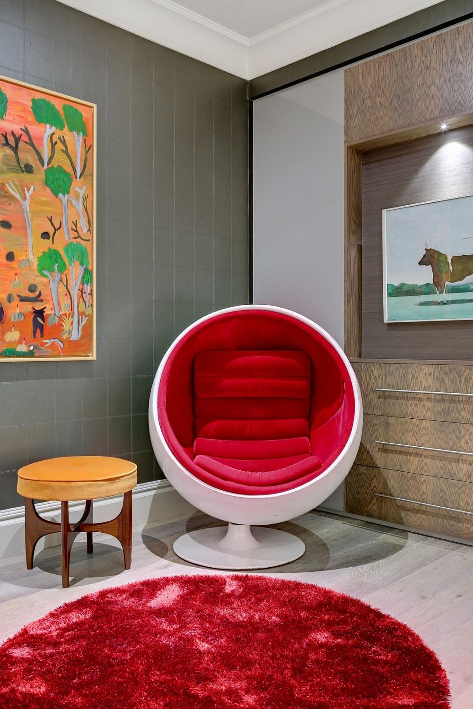Eero Aarnio Ball Chair brings midcentury magic to the London bachelor pad