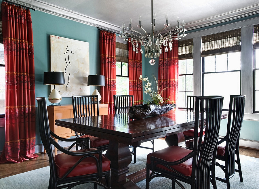 Elegant dining room in red, blue and silver [Design: Panageries]