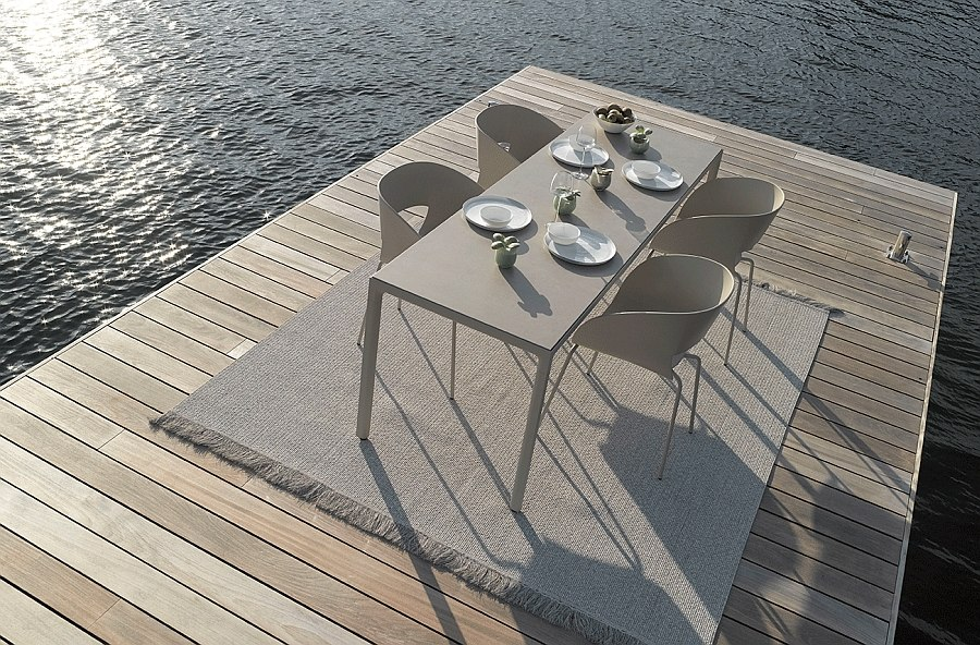 Ergonmic and trendy design of the Vintage Outdoor Chair
