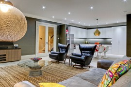 Exclusive London Bachelor Pad Wrapped in Polished Opulence!