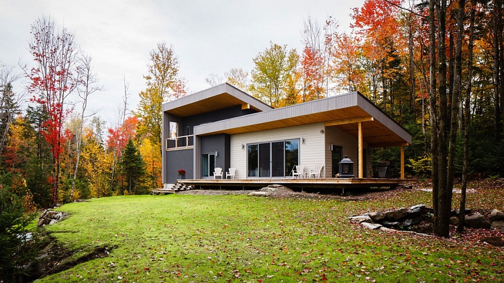 Exquisite modern residence combines privacy with lovely views of the woods
