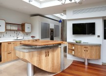 Exqusite hand crafted kitchen island moves away from the mundane 217x155 Ingenious Hand Crafted Kitchens from Johnny Grey Offer Inimitable Versatility