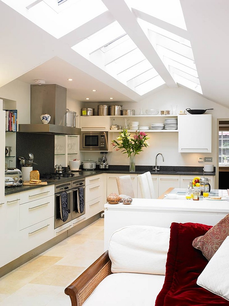 25 captivating ideas for kitchens with skylights for Vaulted ceiling kitchen designs