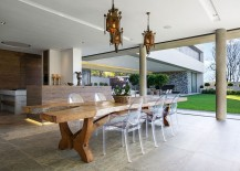 Lovely-outdoor-dining-space-and-kitchen-of-the-lavish-Johannesburg-house-217x155
