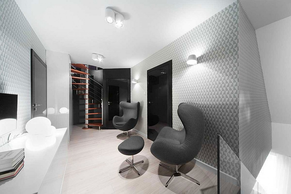 Luxurious twin Egg Chairs add a touch of class to the interior