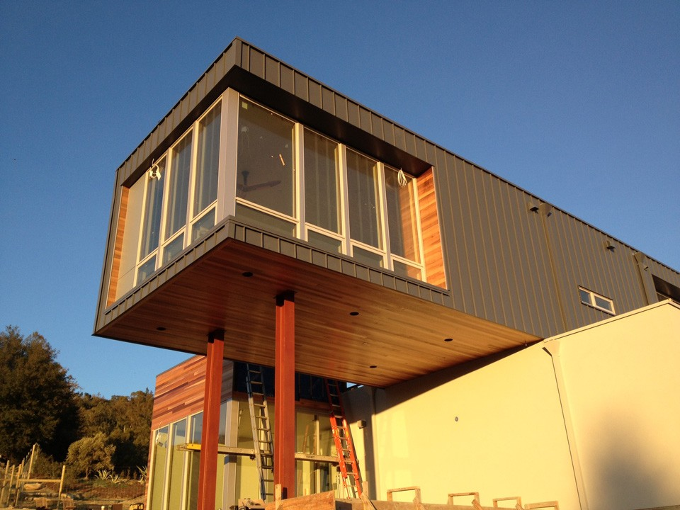 Method Homes Sonoma County Home Cantilevered Module
