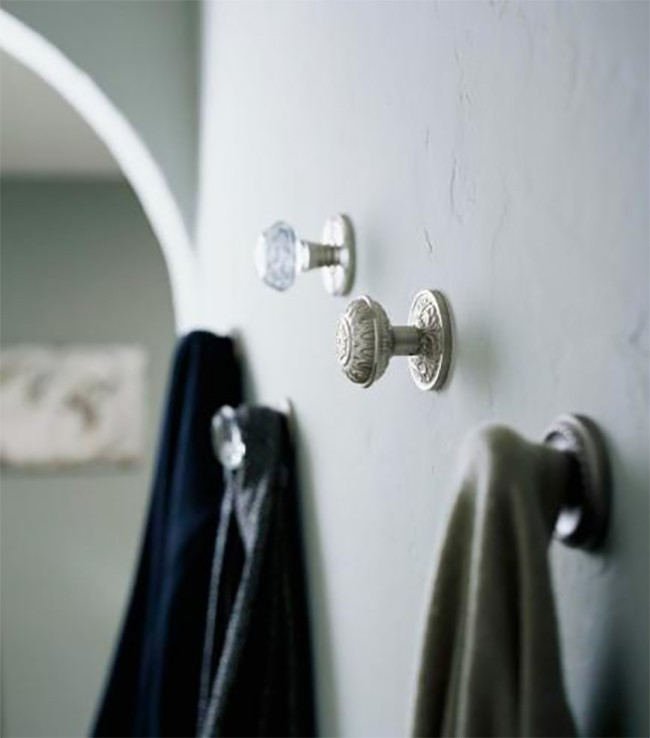 8 Creative Ways To Decorate With Glass Door Knobs