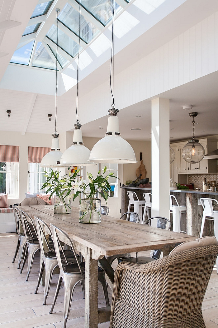 27 dining rooms with skylights that steal the show for Beach dining room ideas