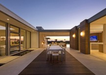 Outdoor-dining-space-in-the-central-courtyard-of-the-luxurious-residence-217x155