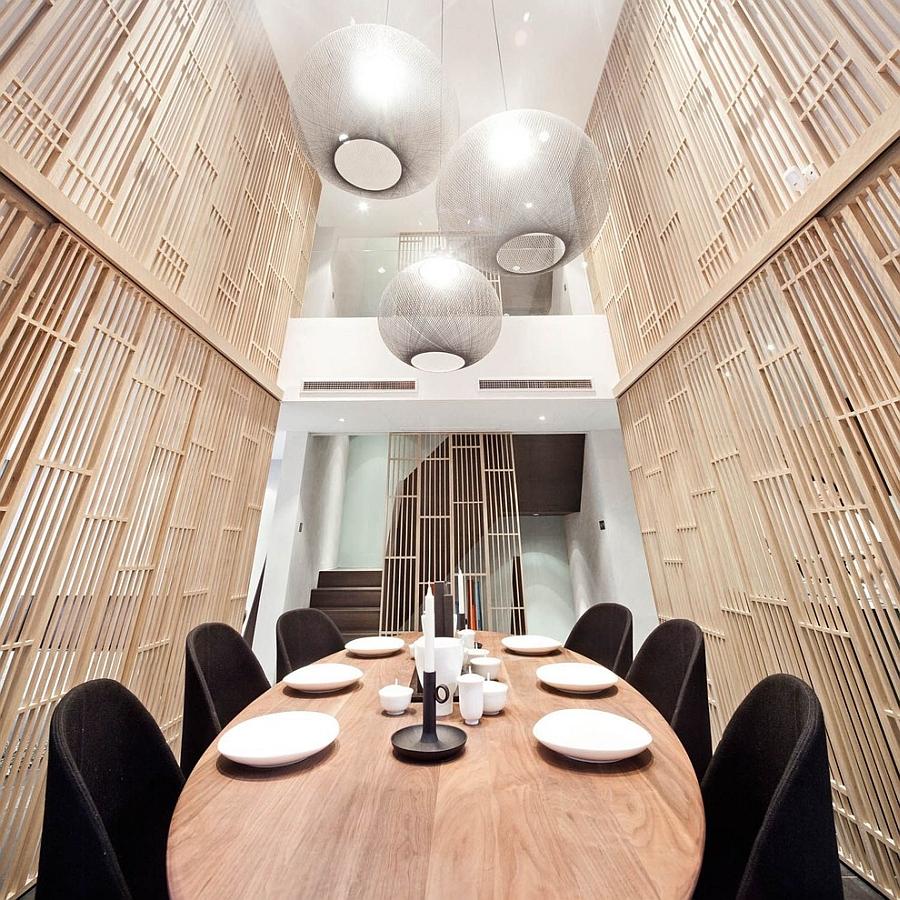 Pendants bring dazzling elegance to the New York dining room [Design: OLighting]