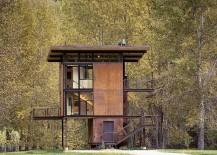 Prefabricated cabin retreat in Mezama, Washington