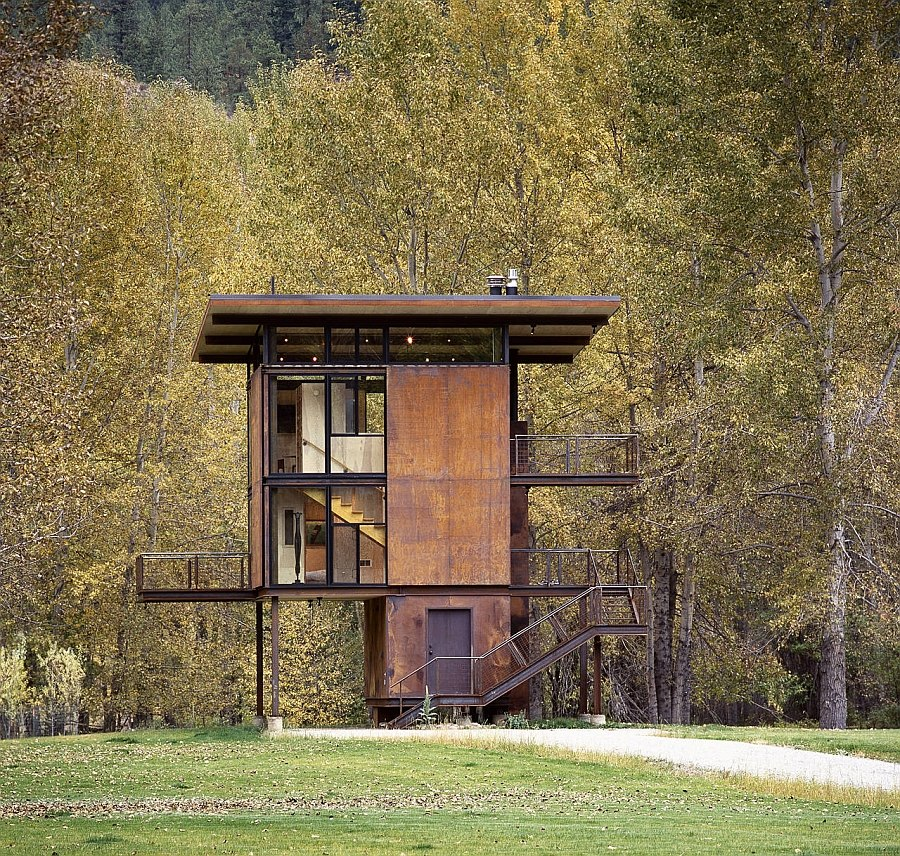 Prefabricated cabin retreat in Mezama, Washington