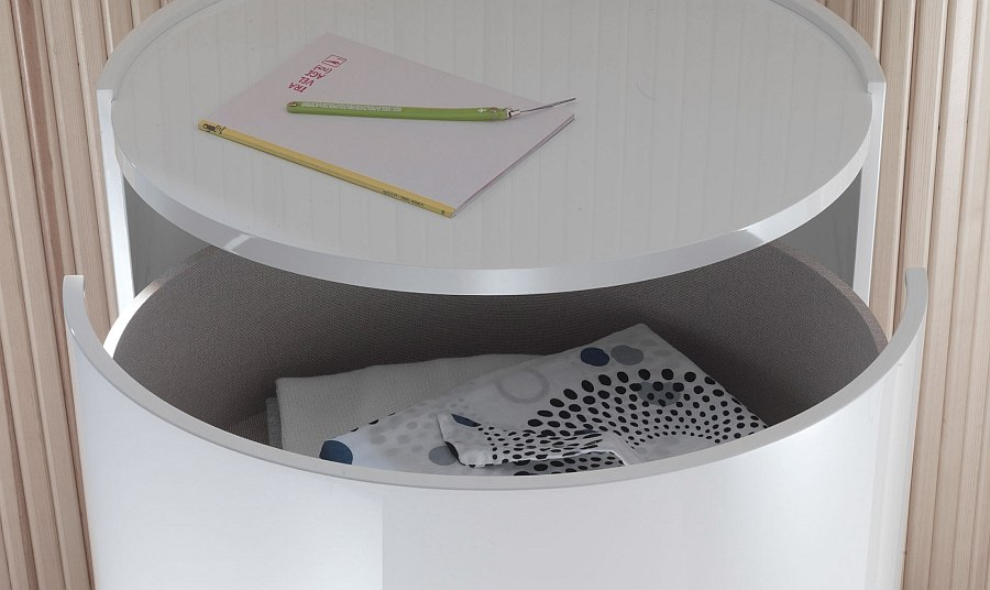 Smart design of the nighstands helps you in shaping a clutter-free bedroom