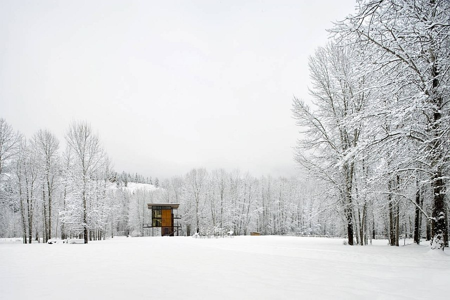 Snow covered extreior lets the mountain retreat stand out visually