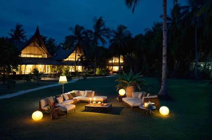 Spherical outdoor lighting