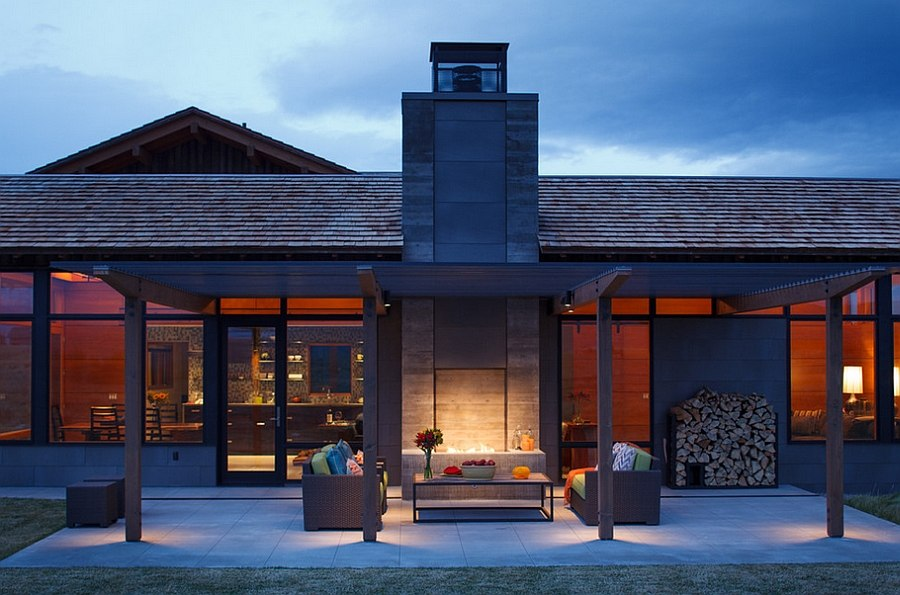 Structure of the pergola offers plenty of protection from the elements [Design: Carney Logan Burke Architects]