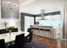 Beautiful-LED-lit-backsplash-of-the-kitchen-draws-your-attention-instantly-217x155