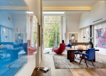 Brilliant pops of red and blue in the airy living area 217x155 Classic Georgian House in London Gets a Cultured Modern Revamp
