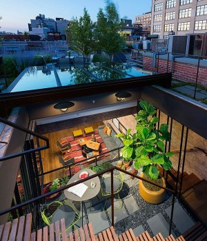 Caviar Wareouse turned into Loft in NYC