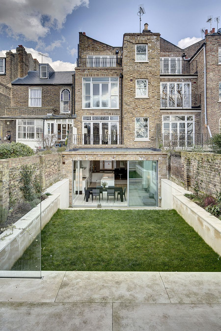 Victorian townhouse with modern extension by dos architects for Modern architecture house london