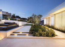 Contemporary landscape looks all the more appealing thanks to the lighting