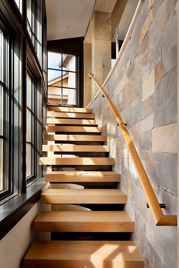 Contemporary staircase in wood for the vacation home