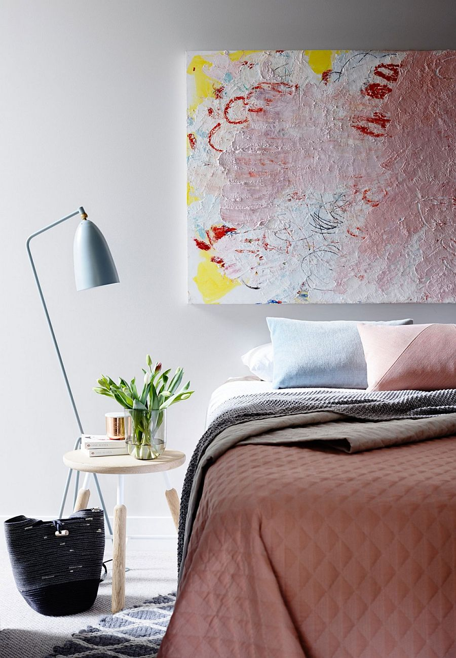 Cool bedside table and lighting in the modern bedroom