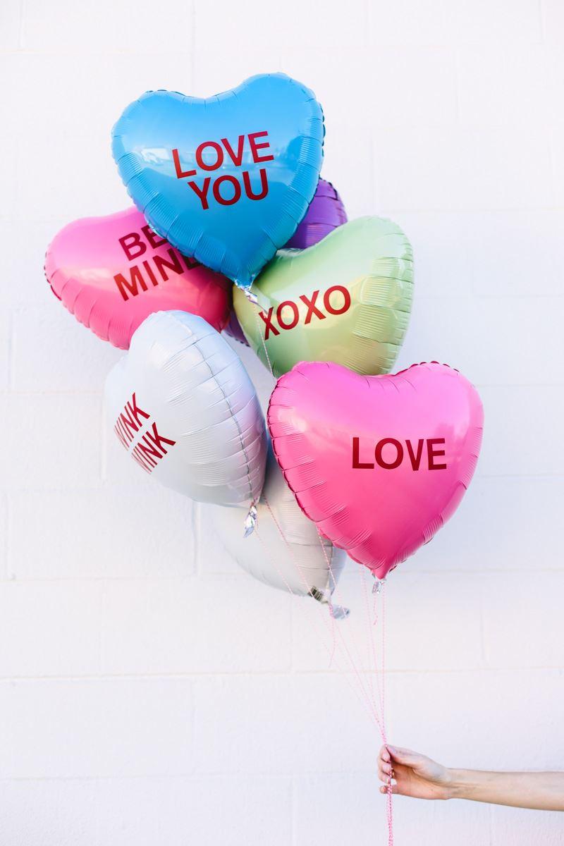 DIY conversation heart balloons from Studio DIY