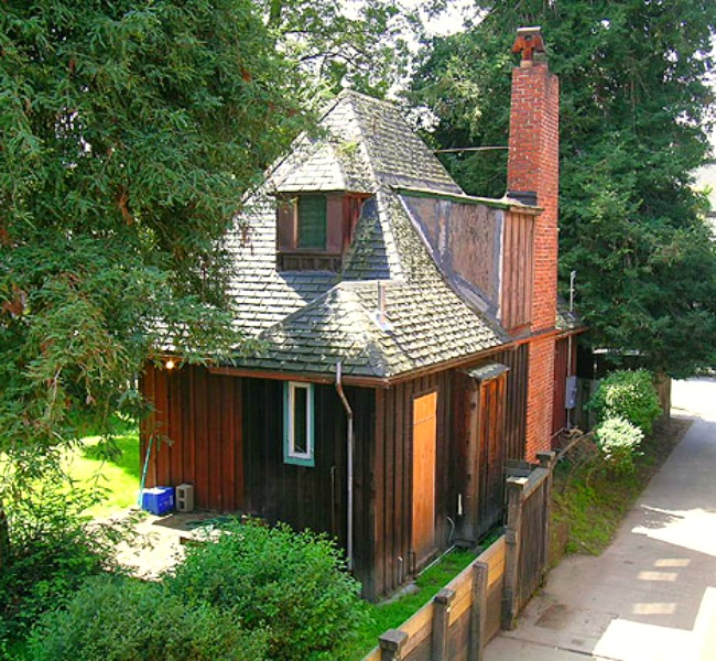 The Eleanor Smith Cottage