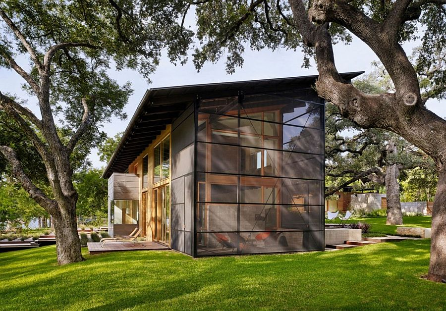 Glass metal and wood shape the stylish Hog Pen Creek Residence