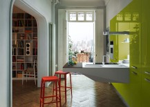Glossy-green-units-bring-colorful-allure-to-the-kitchen-217x155