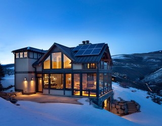 Modern Colorado Vacation Home with Enthralling Mountain Views
