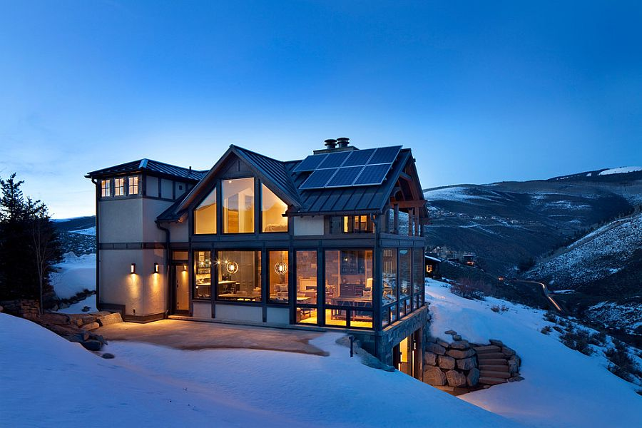 Gorgeous Colorado vacation home surrounded by snow covered slopes