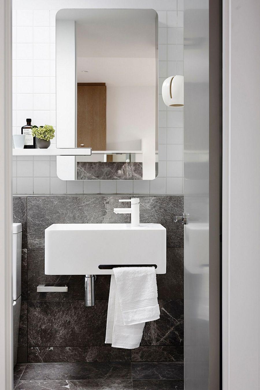 Chic Crisp Street Apartment In Melbourne By Min Design ~ Baños Pequeños En Blanco Y Gris