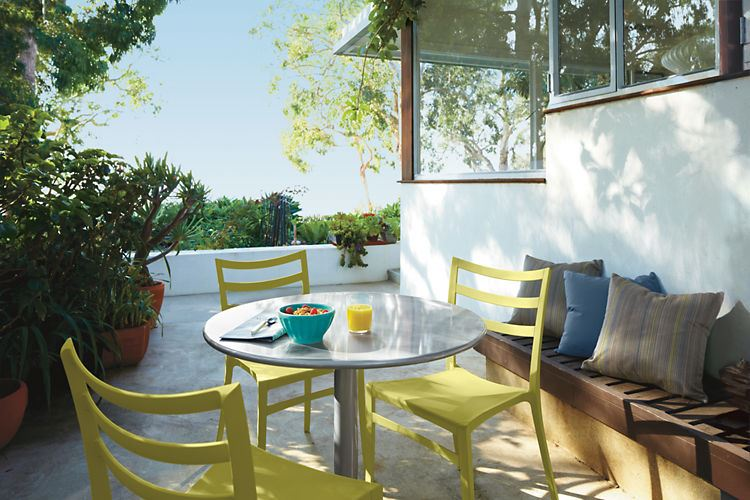 Green outdoor dining seating from Room & Board