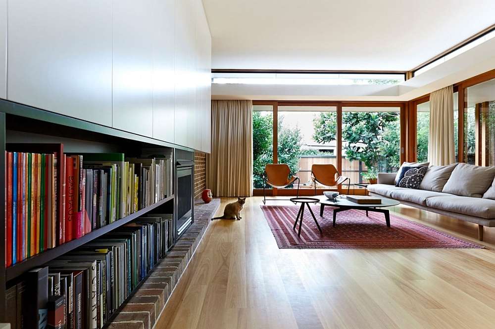 Lovely living room with a hint of midcentury flair