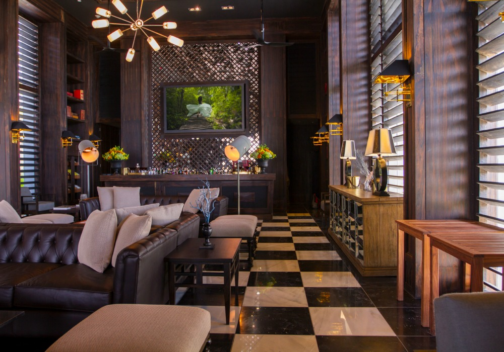 Nizuc's Havana Lounge