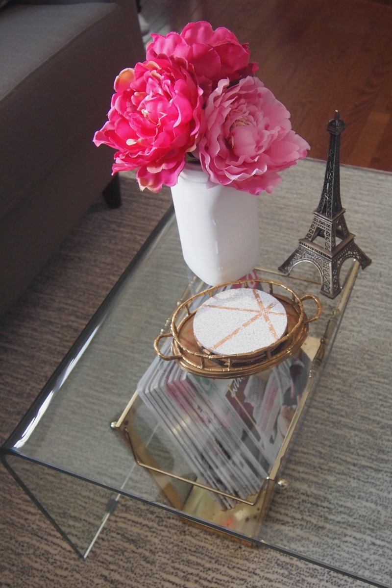 How to Decorate with Pink: flower detail