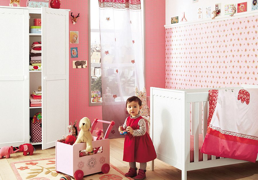 Red, white and pink shape the gorgeous nursery