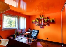 Reflective ceiling turns the home office into a world of orange