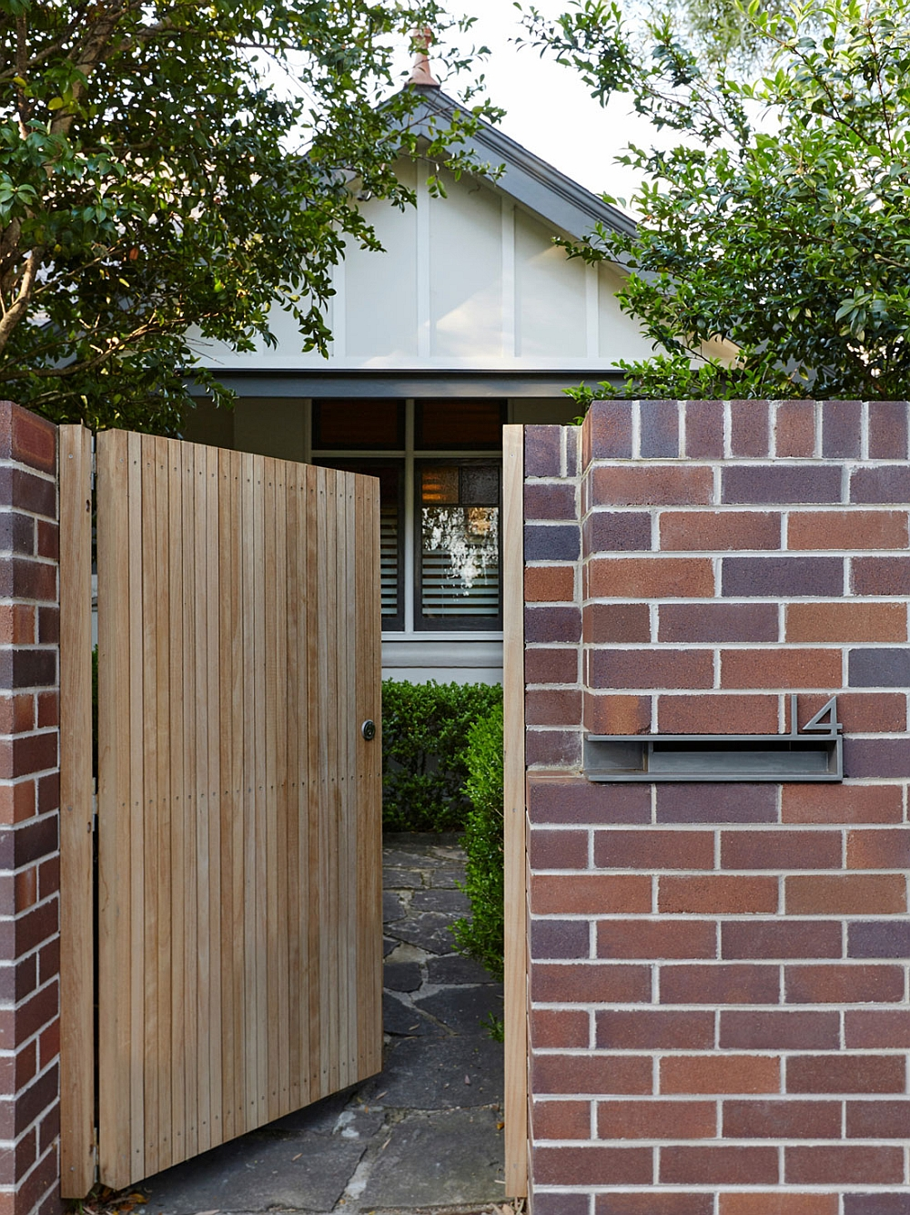 Street facade of the Neutral Bay House, Down Under in Australia