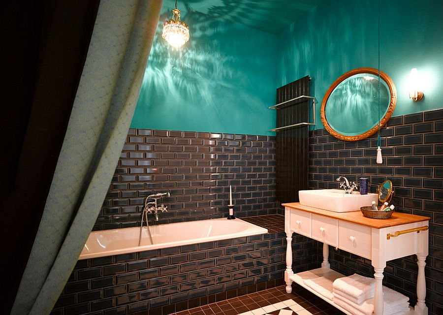 15 eclectic bathrooms with a splash of delightful blue. Black Bedroom Furniture Sets. Home Design Ideas
