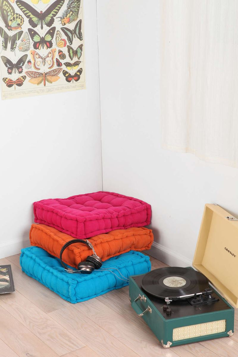 urban outfitters floor cushion huarache sandals. Black Bedroom Furniture Sets. Home Design Ideas