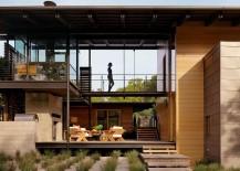 Walkways-and-terraces-shape-the-beautiful-Texas-home-217x155