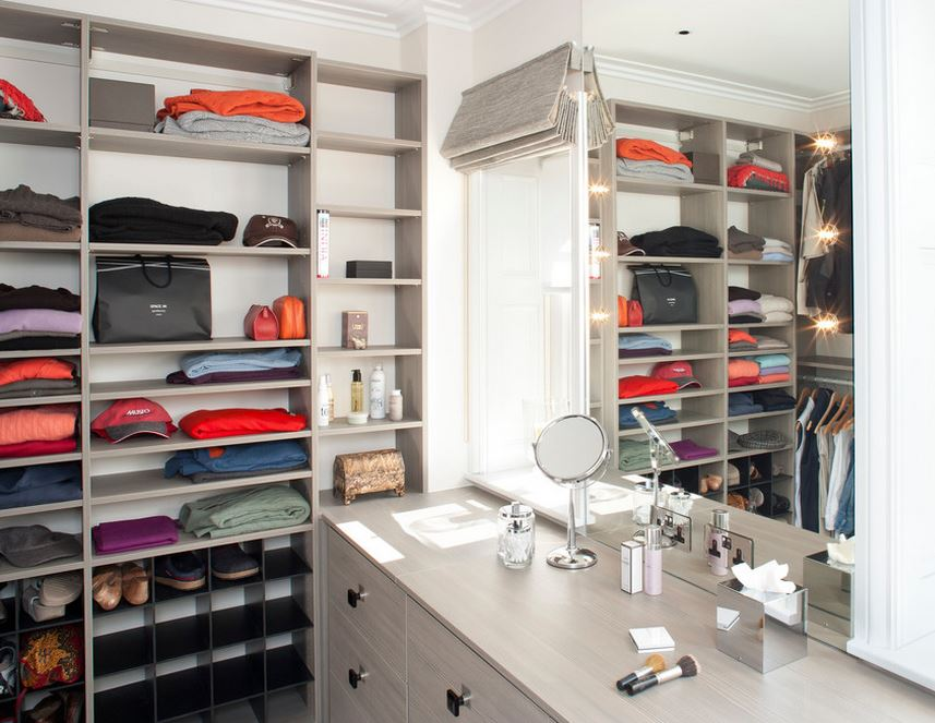 Well-organized closets result from capsule wardrobes
