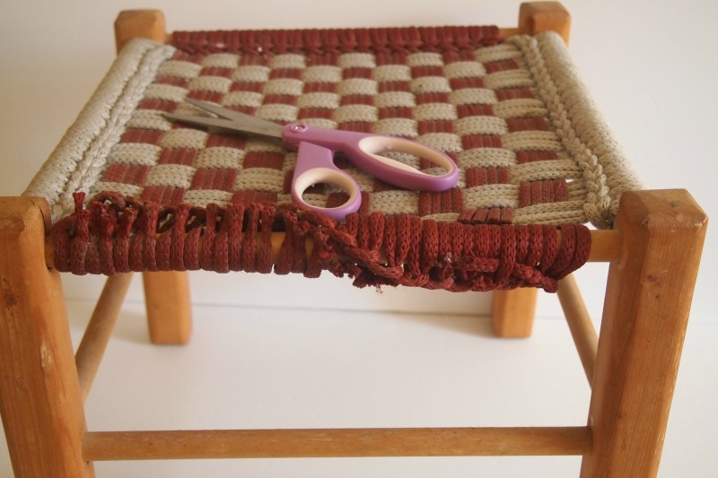 DIY Woven Footstool - cutting rope off of stool