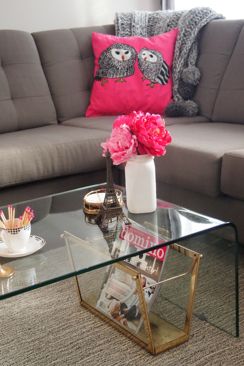 How to Decorate with Pink: use flowers