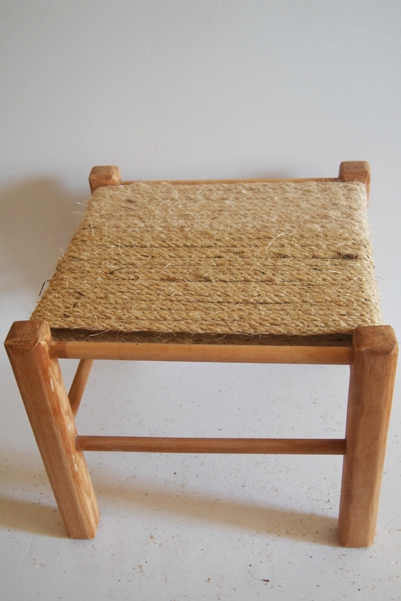 DIY Woven Footstool - step 1